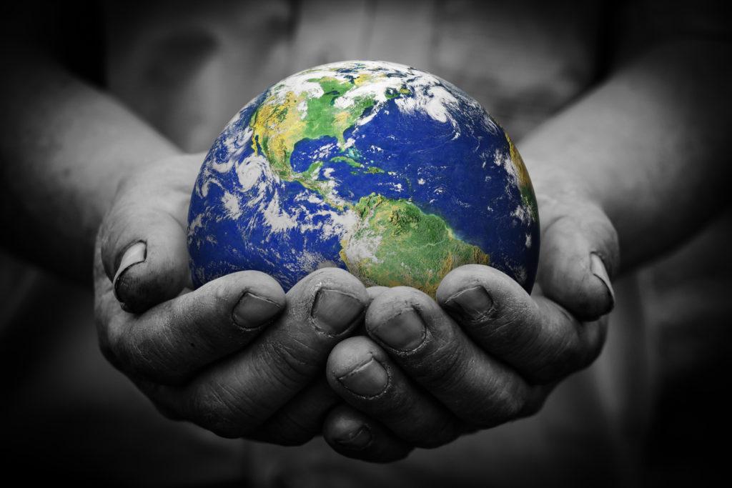 環境問題の解決を望みながら、1分間に約12リットルを無駄使いする日本人